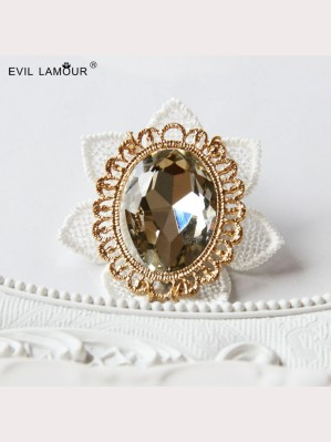 Evil Lamour Retro lace crystal brooch ac9