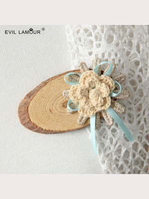 Evil Lamour wood lace brooch ac213