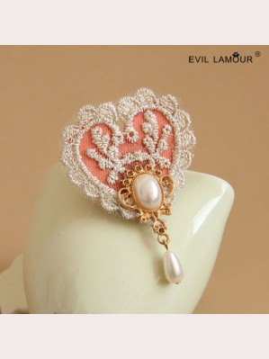 Evil Lamour vintage lace heart brooch ac323
