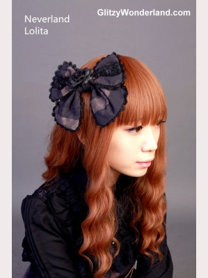 "Souffle Song ""saintess & pigeon"" hairclip"