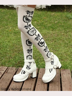 White cat lolita socks